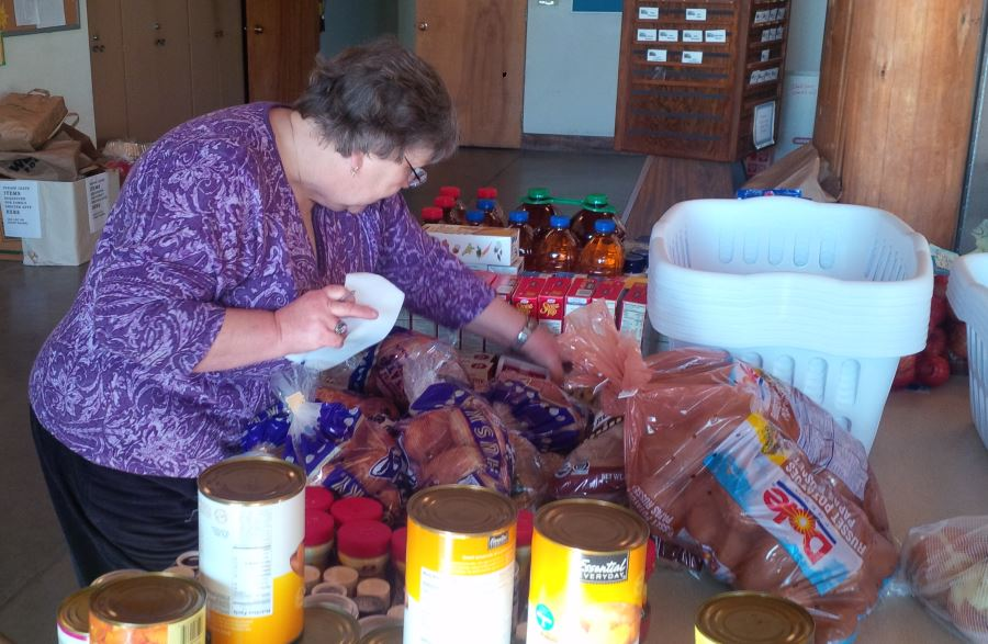 Thanksgiving collection for residents of Hopelink Kenmore Place in 2015